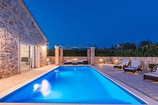 Belle villa à Sukošan avec piscine privée