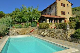 Bellissima villa con piscina a Cortona