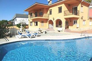 Schöne Villa mit privatem Swimmingpool in...