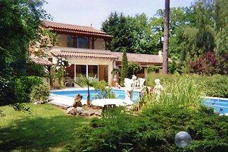 Gemütliches Ferienhaus in Lamonzie-Montastruc...