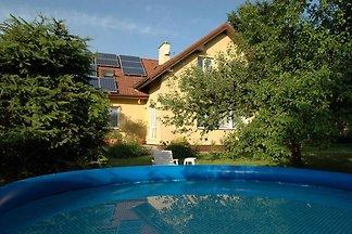 Großes Apartment mit privatem Pool in Ohrazen...