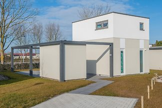 Modern bungalow with two bathrooms, 500 m.
