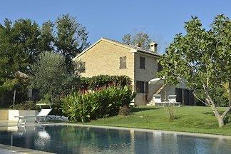 Ruhige Villa mit eigenem Pool in Recanati...