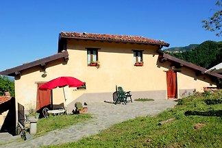 Fijn vakantiehuis in Vergemoli met tuin en pr...