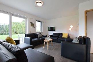 Idyllisches Appartement in Léglise mit großem...