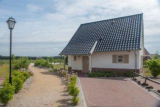 Luxuriöse Villa mit 3 Badezimmern, in De...