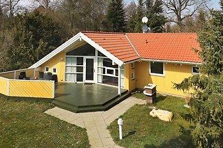 Idyllisches Ferienhaus in Strandnähe in...