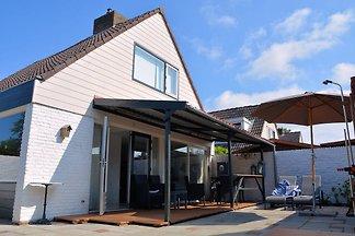 Modernes Ferienhaus in Noordwijkerhout in der...