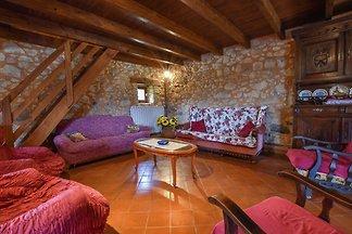 Traditionelles Ferienhaus in Biron mit privat...