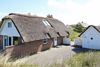 Schönes Ferienhaus in Henne mit Terrasse