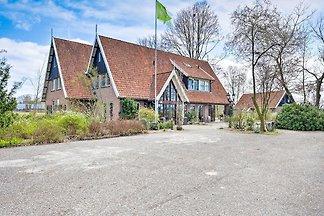 Rustikales Ferienhaus in Eibergen mit Garten