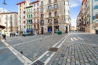 Schönes Ferienhaus in Pamplona mit Balkon