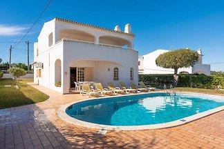 Ruhige Villa in Albufeira mit eigenem Pool