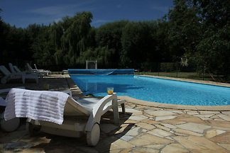 Vintage-Chalet mit Swimmingpool in...