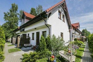 Gemütliches Ferienhaus in Gleznowo in Seenähe
