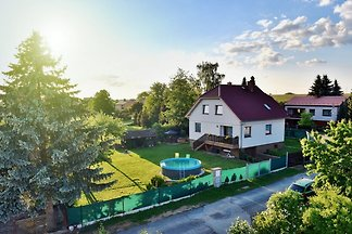 Luxuriöse Villa in Malšice mit Schwimmbad