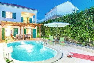 Gemütliche Villa in Hvar mit privatem Pool