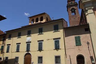 It 's located in the historic center of Pisa ...