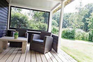 Gemütliche Zeltlodge mit überdachter Terrasse...