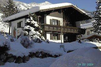 Schönes Appartement in Skigebietnähe in...