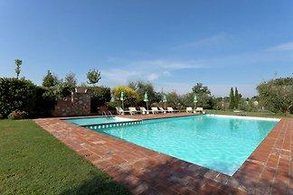Moderna casa vacanze a Foiano della Chiana co...