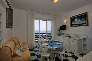 Cheerful Holiday Home in Marina di Castagneto...