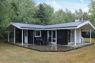Schönes Ferienhaus in Roslev mit Sauna