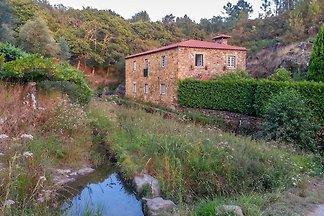 Ruhiges Ferienhaus mit eigenem Pool in Ponte ...