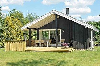 Modernes Ferienhaus auf Jütland mit Garten