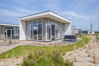 Moderne Hütte mit Mikrowelle, 4,5 km von Rock...