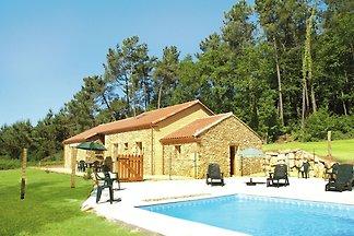 Schönes Ferienhaus in Blanquefort-sur-Briolan...