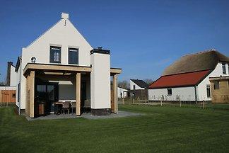 Luxuriöses Ferienhaus mit Sauna in Limburg