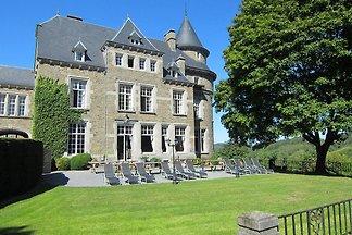 Vintage Schloss in Érezée mit Garten