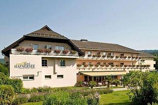 Ferienanlage Sonnenhotel Hafnersee, Keutschac...
