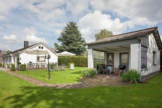 Geräumiges Ferienhaus mit eigenem Garten in...