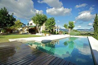 Schönes Landhaus mit Pool und Blick auf die T...