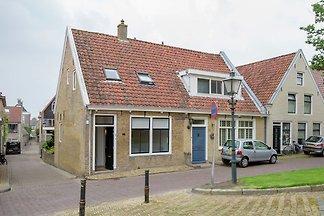 Geräumiges Ferienhaus am Meer in Friesland