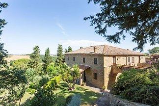 Verschwenderisches Ferienhaus in Volterra mit...