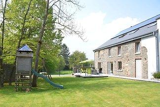 Schönes Ferienhaus in Champlon mit eingezäunt...