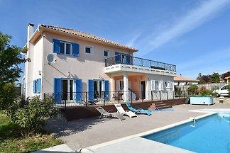 Schöne Villa mit privatem Pool in Beaufort