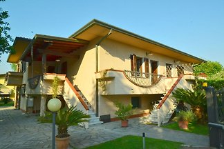 Lovely Holiday Home in Marina di Massa with P...