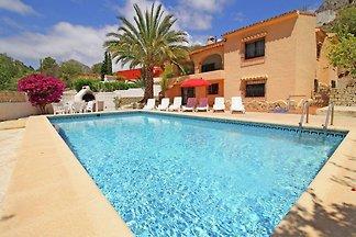 Geräumige Villa in Valencia mit privatem Pool