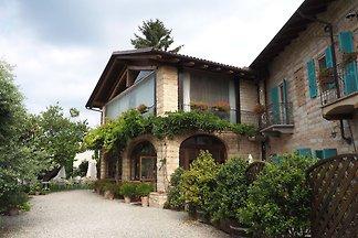 Landhaus in Ombra mit Gemeinschaftspool