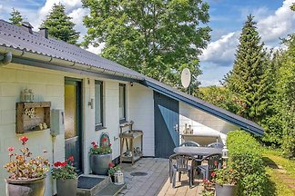 Schönes Ferienhaus mit Sauna in Roslev