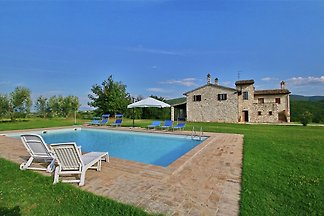 Villa with private pool in the hills with pan...