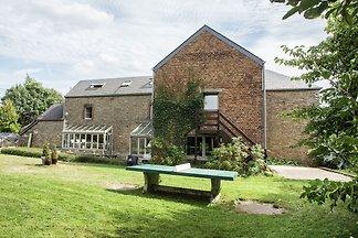 Dawny dom z prywatnym basenem, sauną i...