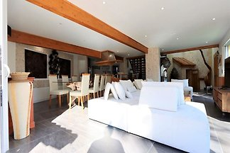 Einladende Villa in Lacanau in Strandnähe