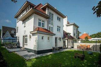 Moderne Villa mit Garten in Knokke-Heist