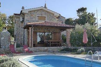 Luxuriöses Ferienhaus mit Pool in Poljica