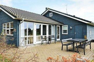 Gemütliches Ferienhaus in Sæby mit Sauna